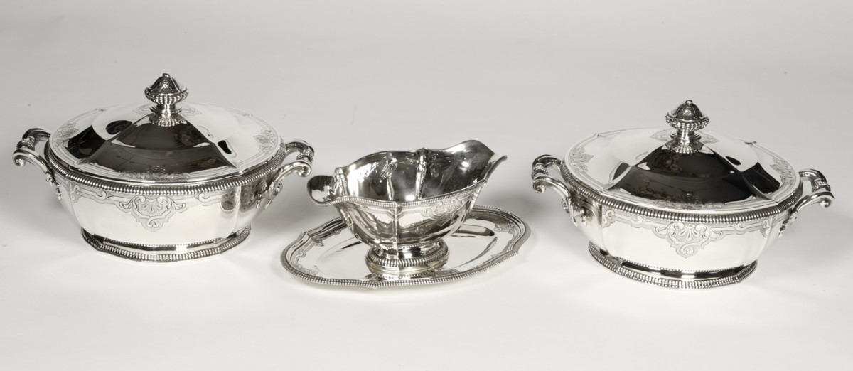Goldsmith Lapparra - Two vegetables and sauce boat in late 19th century silver