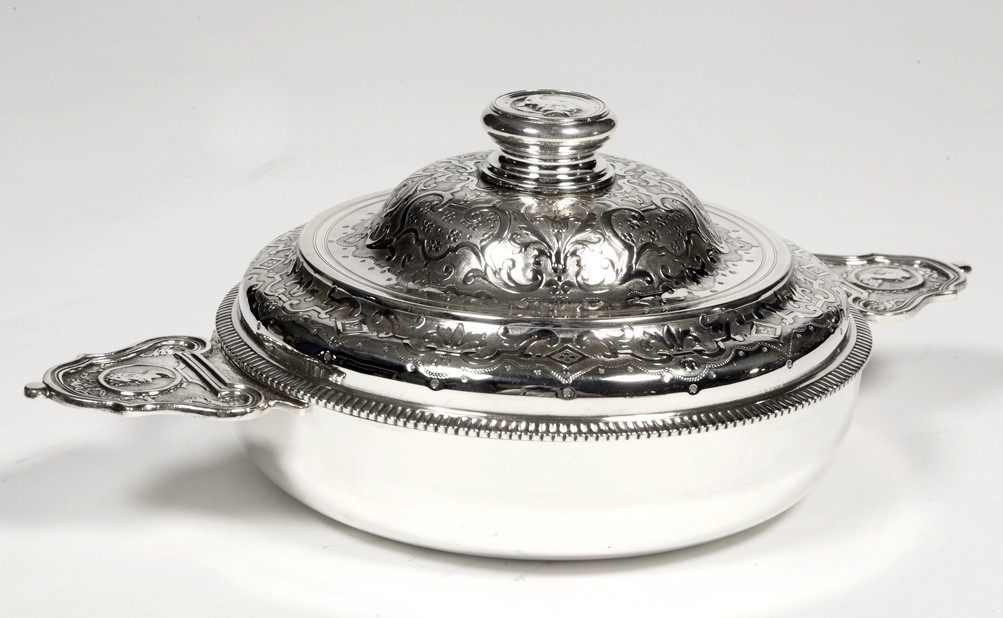 Goldsmith Lagriffoul et Laval - Covered legumier with silver ears XIXth