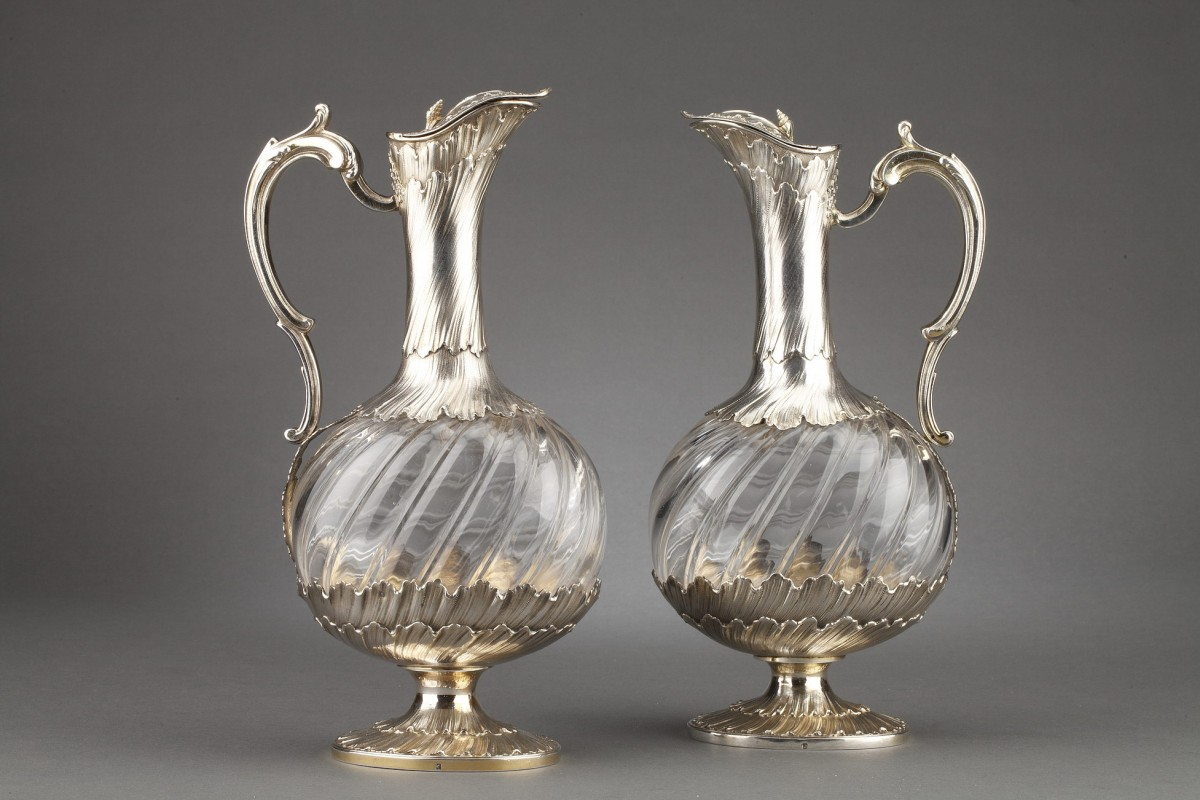 Goldsmith ODIOT - Pair of oblong crystal and vermeil ewers 19th century