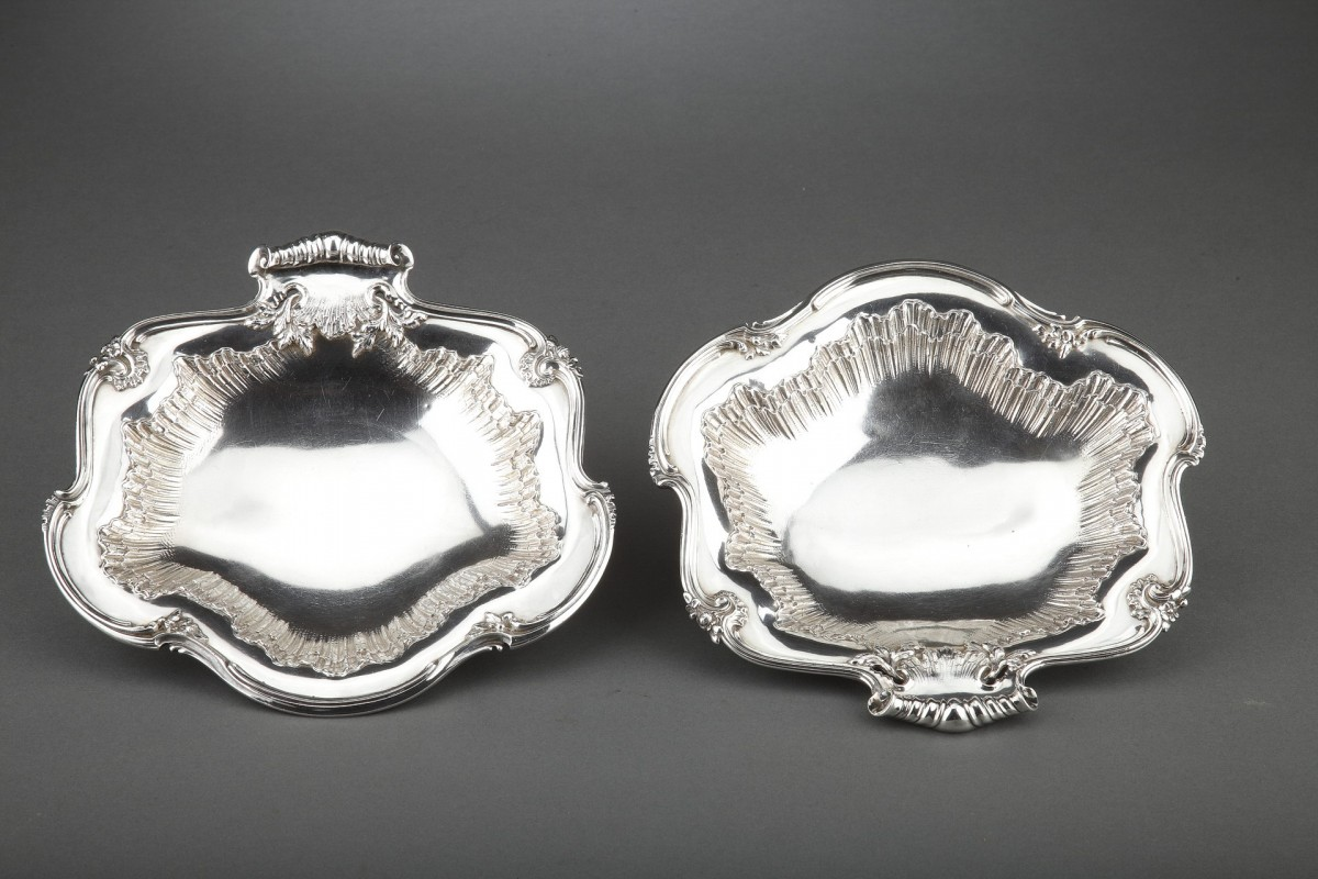 Goldsmith BOINTABURET - Pair of solid silver displays from the late 19th